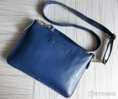 Утеряна голубая кожаная сумка с паспортом и ценными вещами